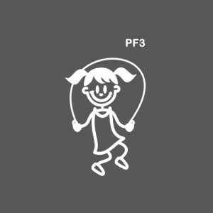 Petite fille avec une corde à sauter